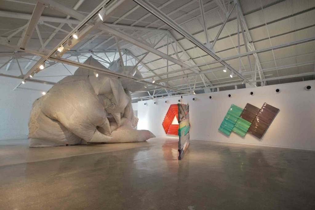 Dan Steinhilber: Hold On, Loosely installation view